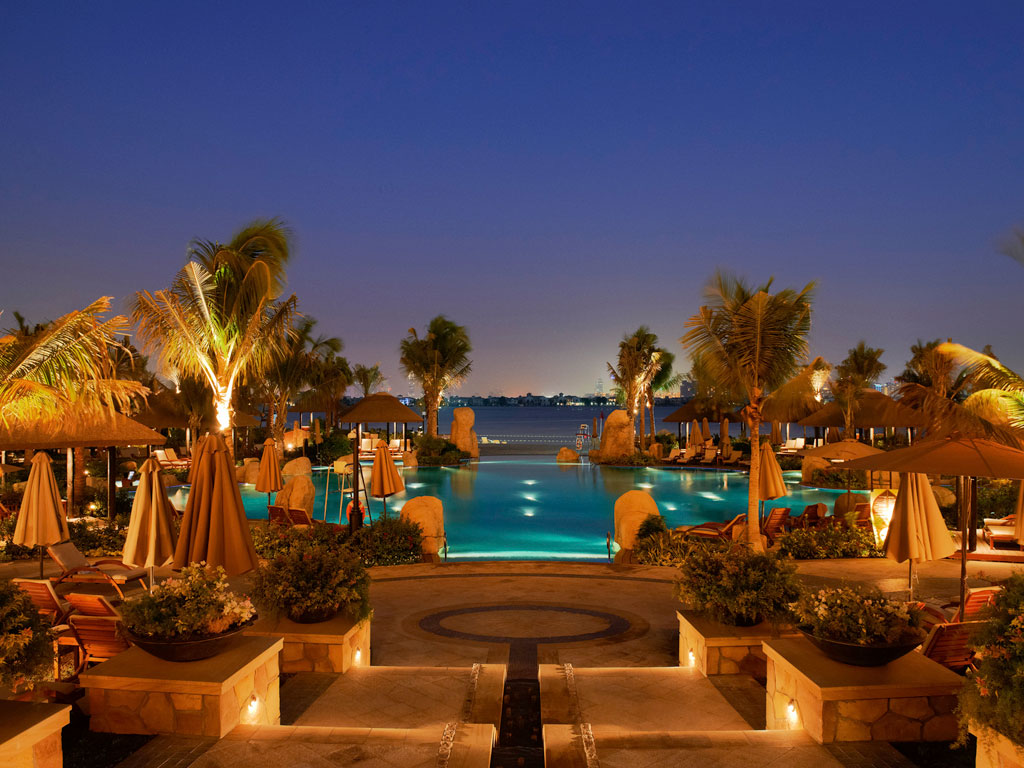 Luxury hotel dubai sofitel dubai the palm luxury for Luxury travel in dubai