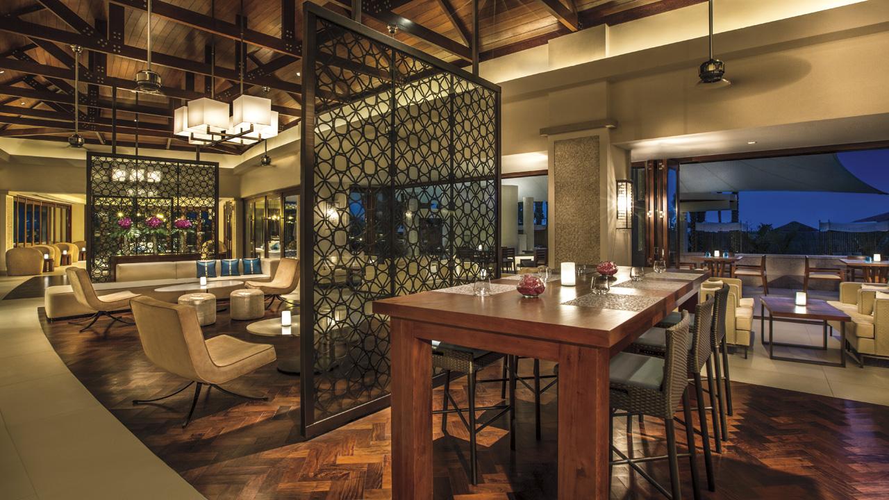The ritz carlton dubai marina just luxury travel 4u for Luxury hotels in dubai marina